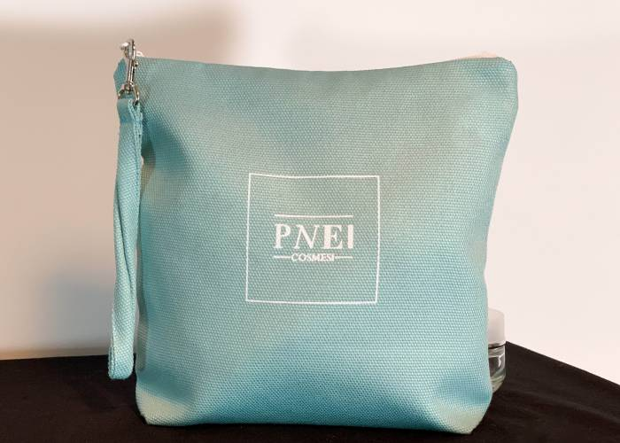 trousse porta trucchi in cotone canvads color tiffany e fodera interna in chiffon impermeabile
